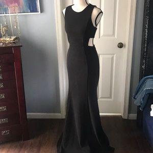 Black gown 🖤 Lulus